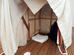 Shelter in de tentoonstelling