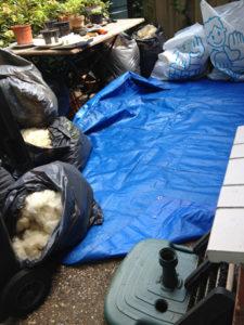 Werkplek waar ik de vuile wol uit de vacht verwijderen